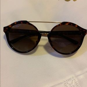 Tory Burch Sunglasses!